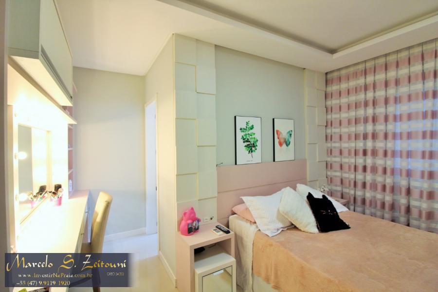 Apartamento com 4 Dormitórios à venda, 273 m² por R$ 1.700.000,00