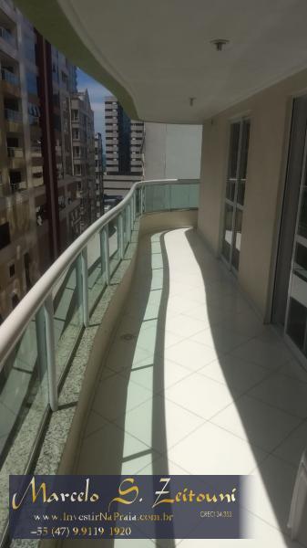 Apartamento com 3 Dormitórios à venda, 125 m² por R$ 650.000,00