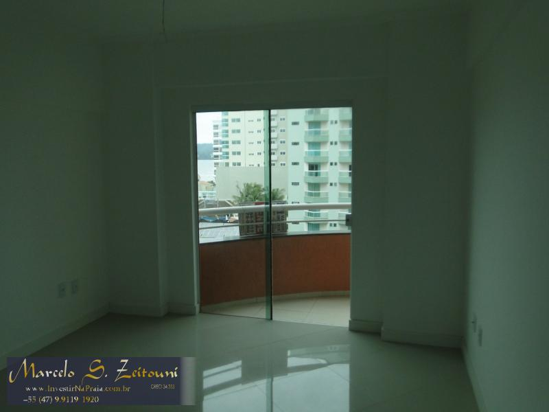 Apartamento com 3 Dormitórios à venda, 114 m² por R$ 650.000,00