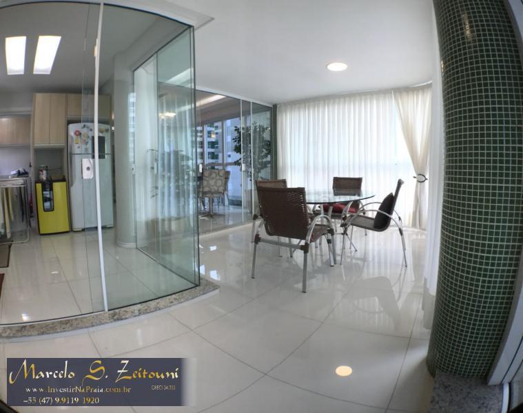 Apartamento com 3 Dormitórios à venda, 105 m² por R$ 800.000,00