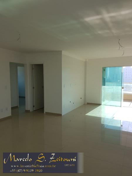 Apartamento com 3 Dormitórios à venda, 105 m² por R$ 469.000,00