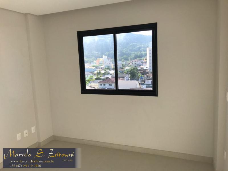 Apartamento com 2 Dormitórios à venda, 67 m² por R$ 393.500,00
