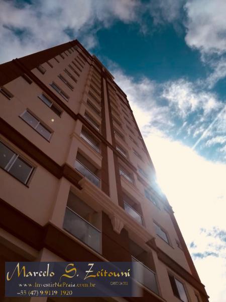 Apartamento com 2 Dormitórios à venda, 73 m² por R$ 400.000,00
